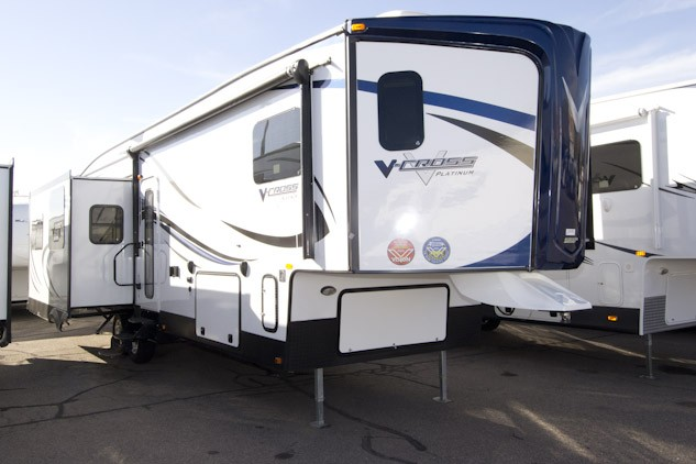2013 FOREST RIVER V-CROSS 325VRL PLATINUM