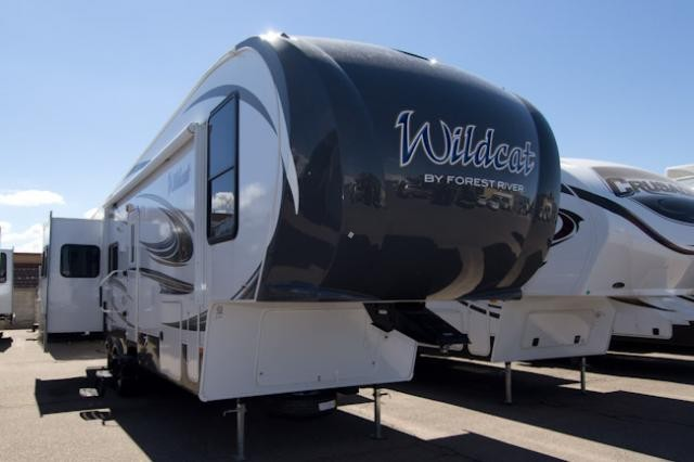 2014 FOREST RIVER WILDCAT 313RE