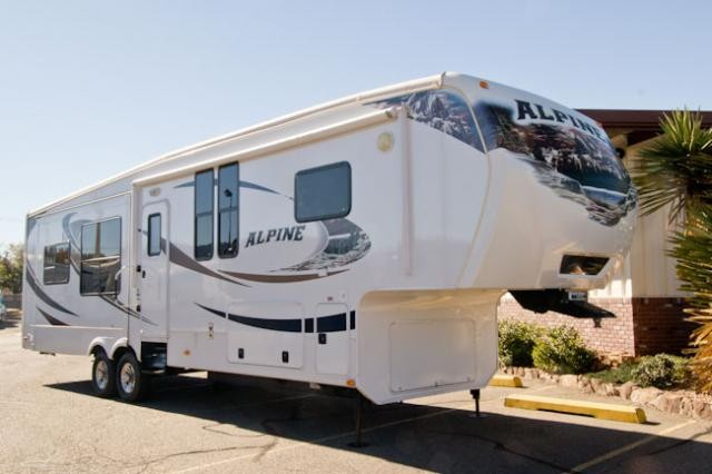 2012 KEYSTONE ALPINE 3500RE