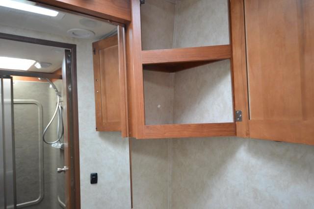 2013 COACHMEN CONCORD 301SS