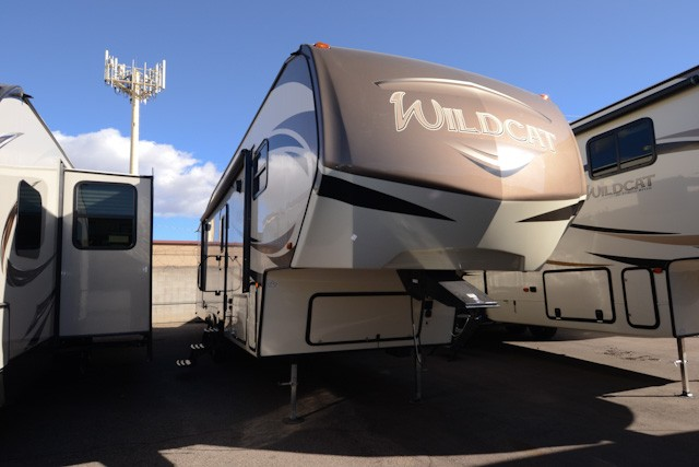 2018 FOREST RIVER WILDCAT 28BH