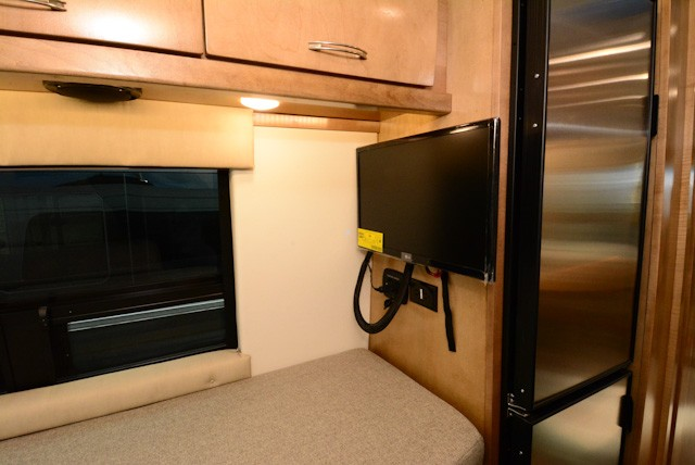 2019-COACHMEN-GALLERIA-24AM-Lithium-ion-19GAL24AM-47784.jpg